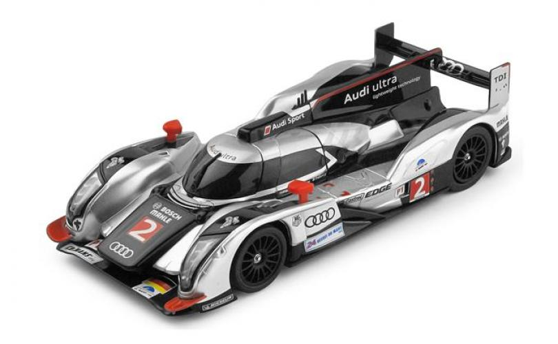 AUDI R18 - LE MANS WINNER 2011 - LIGHTENED